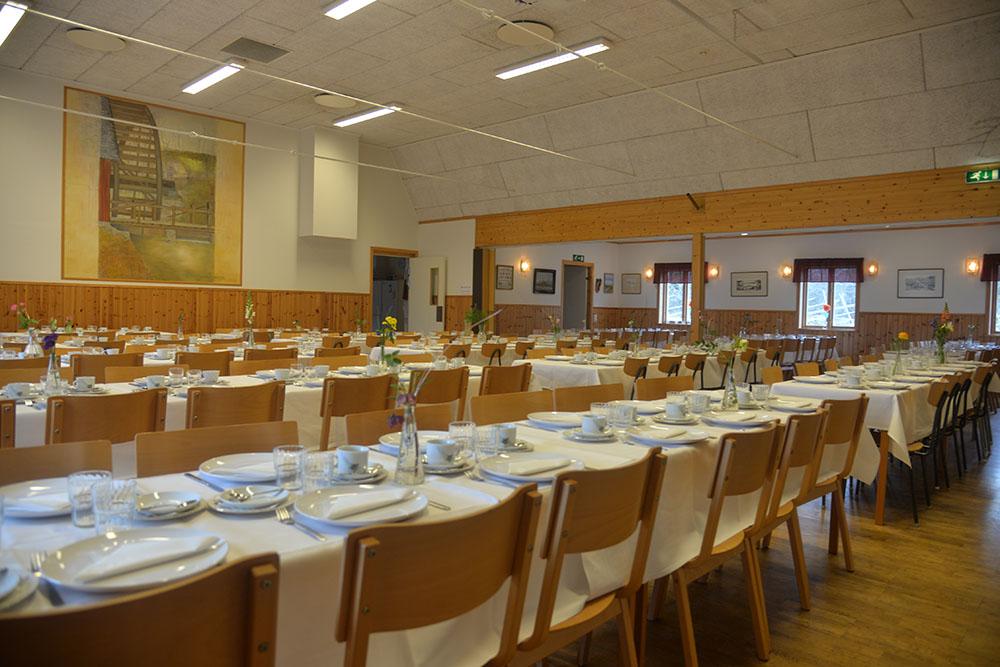 Stolar och bord ingår i hyra